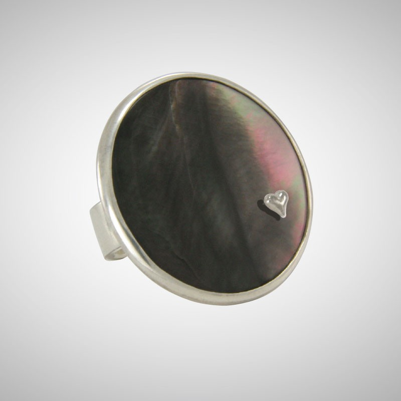 Black Round Mother of Pearl Ring with Tiny Heart